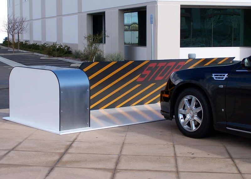 Surface Mounted Barricades DSC1200