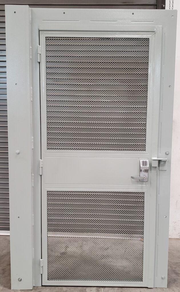 J10037 Anti-Climb Gate Fence 3